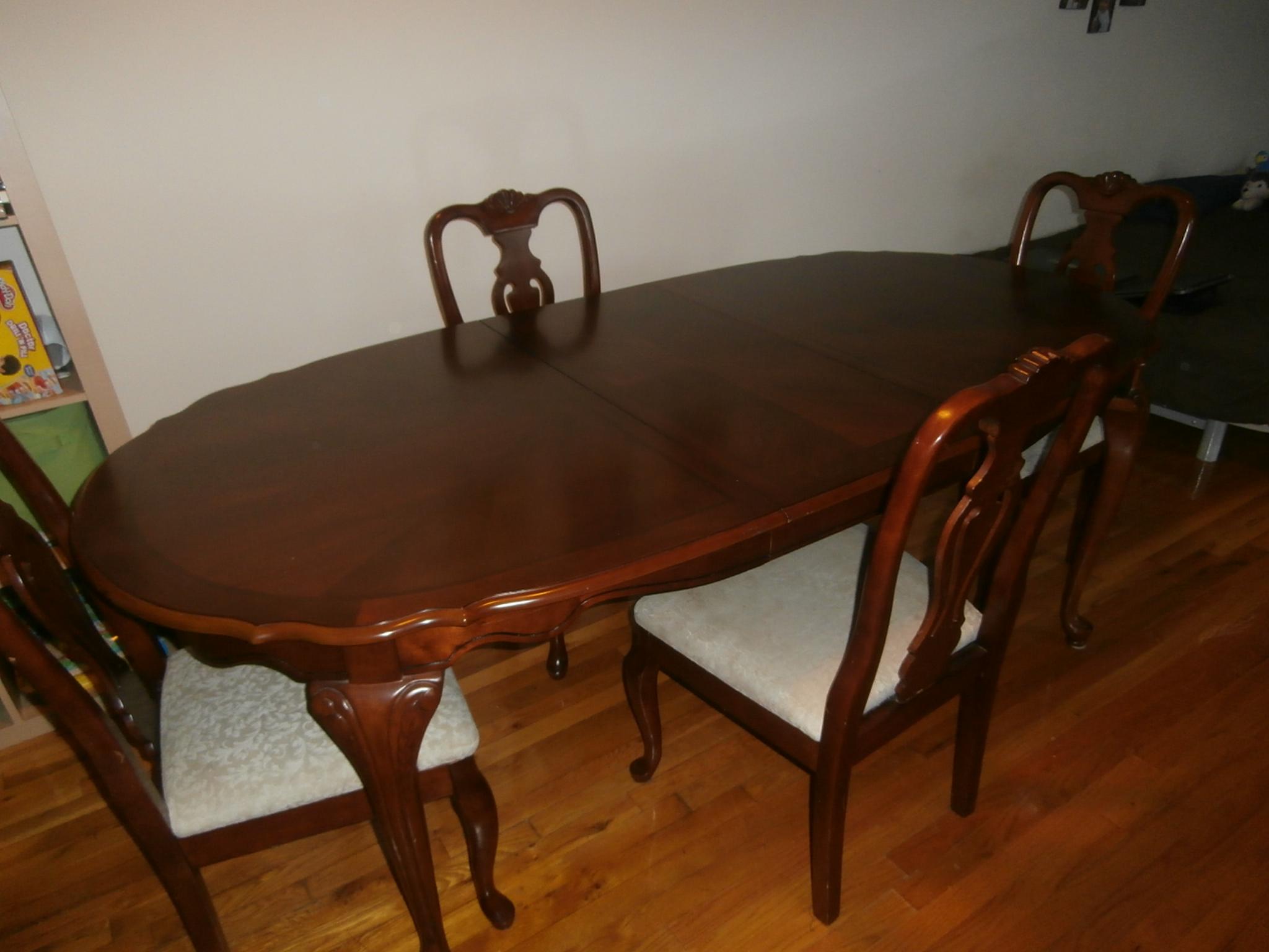 Ogłoszenie darmowe. Lokalizacja:  Hillsborough, NJ. ARCHIWALNE - Wszystkie. Sprzedam drewniany stol z 4.
