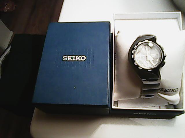 Ogłoszenie darmowe. Lokalizacja:  TRENTON. KUPIĘ / SPRZEDAM - Elektronika. Sprzedam zegarek meski SEIKO idealny.