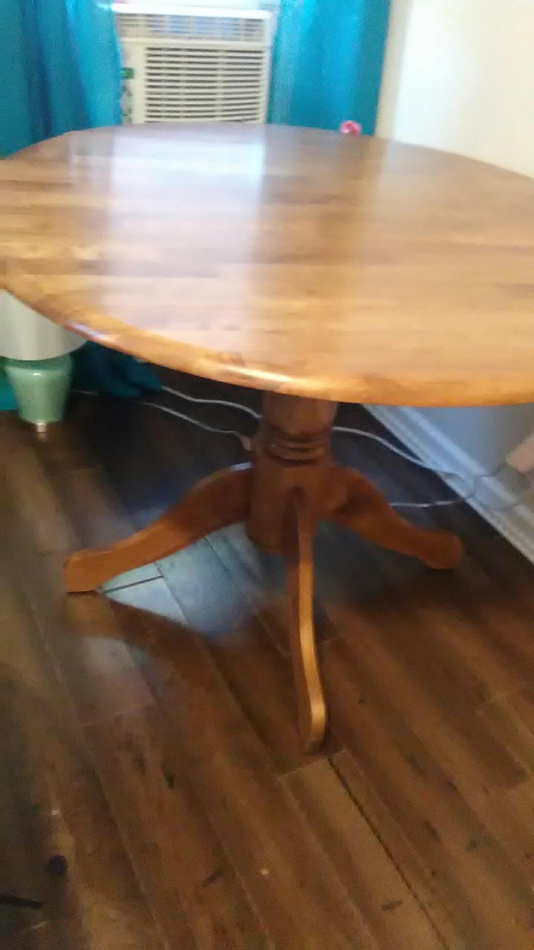 Trenton Sprzedam Stół Kuchenny Drewniany Okrągły