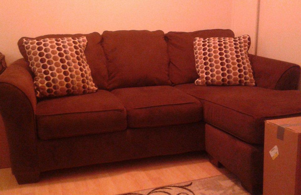 Ogłoszenie darmowe. Lokalizacja:  Trenton , cale NJ. ARCHIWALNE - Wszystkie. Do sprzedania prawie nowa sofa,.