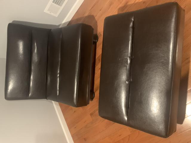 Ogłoszenie darmowe. Lokalizacja:  Trenton. KUPIĘ / SPRZEDAM - Meble. Fotel rozkładany i do tego.