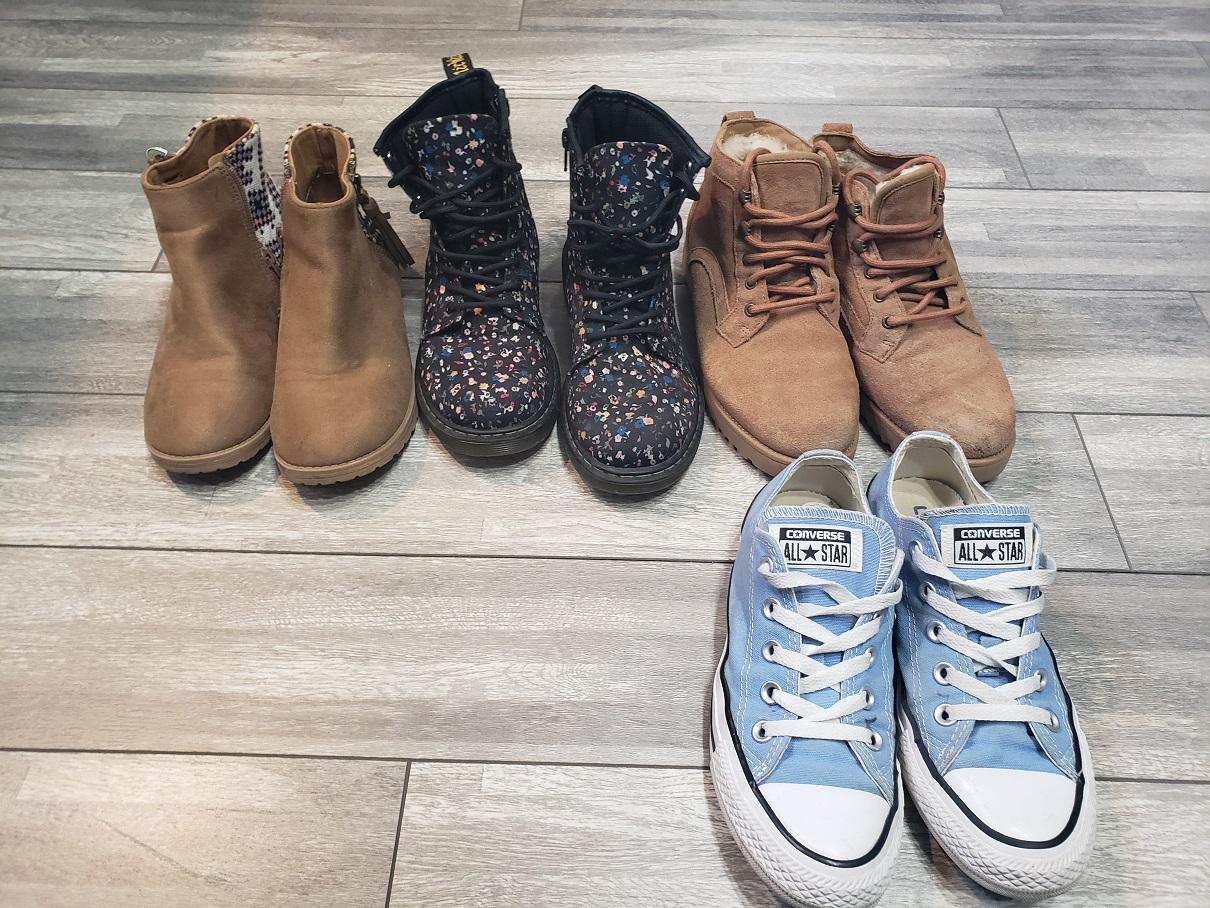 Ogłoszenie darmowe. Lokalizacja:  Lawrenceville. KUPIĘ / SPRZEDAM - Odzież. Sprzedam buty po nastolatce, rozmiar.