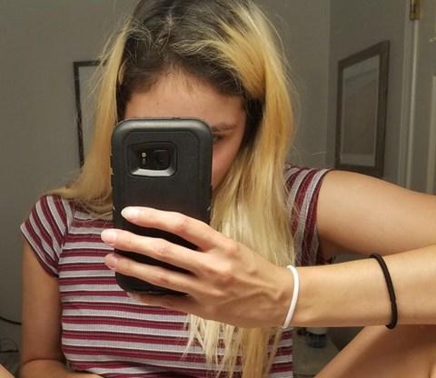 Ogłoszenie darmowe. Lokalizacja:  NJ, okolice, USA. TOWARZYSKIE - Wszystkie. Samotna dziewczyna (21) szuka kolegi.