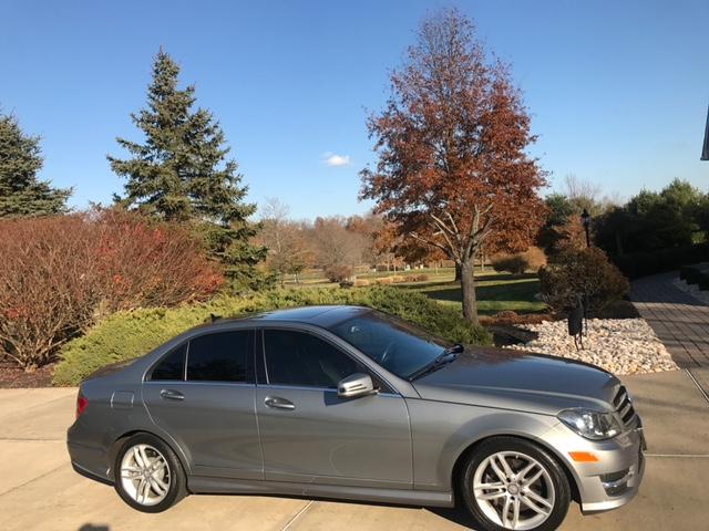 Ogłoszenie darmowe. Lokalizacja:  Cale New Jersey. KUPIĘ / SPRZEDAM - Motoryzacja. Sprzedam Mercedesa C-300, rocznik 2014.